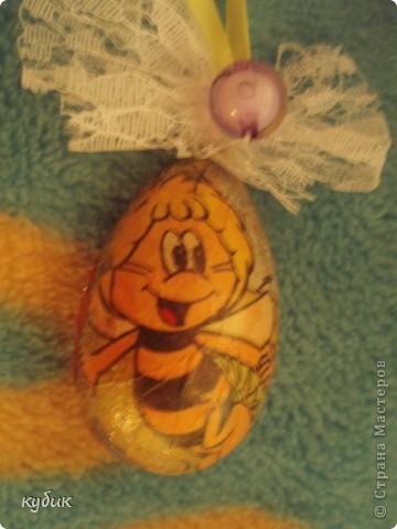 первый раз делали декупаж, решили так украсить яйца.Отсвечивает простите за качество фотографий!!!!!!!!!!!!!!! фото 3