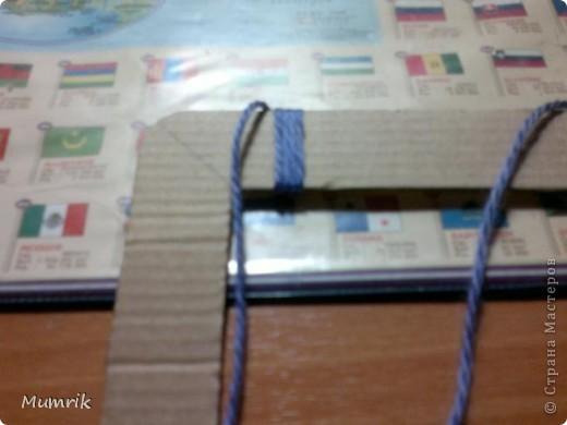 Это мой первый МК :) Фоторамка из ниток и картона. Старалась все сделать подробно и понятно. И так подробнее и понятнее... Сразу прошу извенений за качество фото, снимала поздно вечером и на телефон фото 8