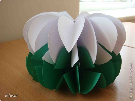 Вот такие цветочки получились! Есть много идей по их применению. Например, из этих будем делать пасхальную композицию. Потом покажу результат. фото 10