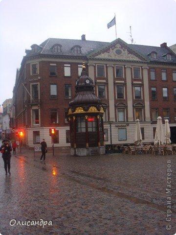 Решила продолжить серию фоторепортажей, посвященных разным городам...  Начало здесь...   http://stranamasterov.ru/blog/34319/292 ********************************************* Копенгаген-это один из старейших  и самых больших городов Дании ( 500 тыс.жителей), а также самая тихая и умиротворенная столица в Европе.  Мы успели в этом убедиться за несколько часов, проведенных в этом приятном городе...Но , к сожалению, увидели очень мало...   фото 14