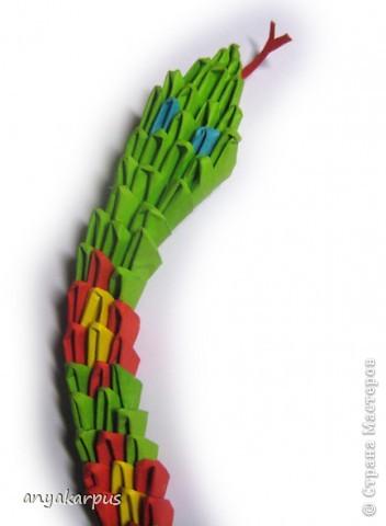 Вот и Катюшина змея, а точнее - змейка. На работу ее вдохновил Еремеев Николай и его фото сессия http://stranamasterov.ru/node/156764. фото 4