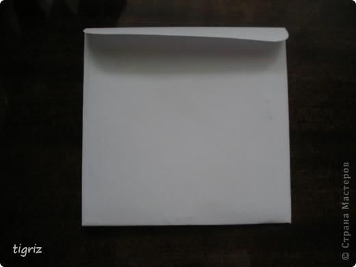 Вот такие конвертики (коробочки) для дисков с мультяшками у меня получились из журналов. фото 6