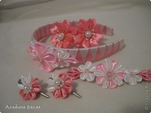 Вот такие заколки, резинки и ободок сделала в подарок на день рождения дочери подруги. фото 1