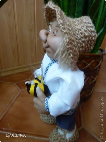 Зовут меня Петровичем! Занимаюсь домом, есть хозяйство: развожу пчелок, собираю медок))) фото 5