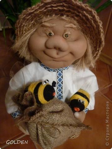 Зовут меня Петровичем! Занимаюсь домом, есть хозяйство: развожу пчелок, собираю медок))) фото 9