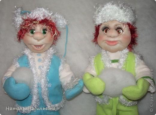 Пашка и Сашка решили слепить снеговика фото 2