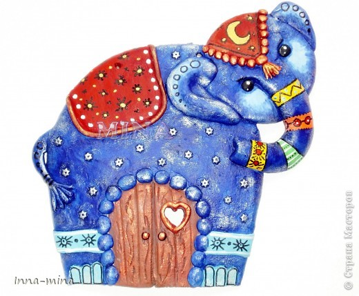 Дверца в страну сновидений. Слон - символ мудрости и жизненного опыта. Он охраняет наши сны от вторжения кошмаров, пряча заветную дверцу под покровом синего бархата ночи...  фото 1