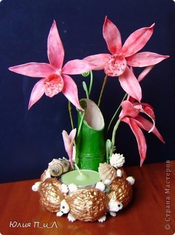 Вот такой чудо-остров у меня получился…Делала сотруднице на день рождения букетик, изначально не зная результата. Слепила что-то типа орхидей…А уж когда начала раздумывать как его оформить - все это и получилось. фото 17