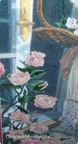 """""""Девушка с розами"""" выполнена в технике частичной вышивки, т.е. прошиваются различными стежками детали и создается объемное изображение. фото 5"""