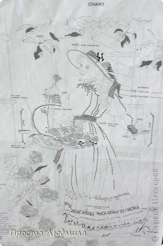 """""""Девушка с розами"""" выполнена в технике частичной вышивки, т.е. прошиваются различными стежками детали и создается объемное изображение. фото 7"""