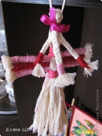 Сделана куколка их хлопчатобумажных ниток фото 2