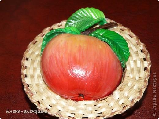 Яблочко на соломке