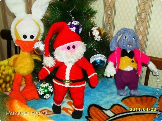 ну и что, что Новый Год прошел давно, а ёлку мы убрали 2 апреля! ))) Этот Санта мне сына в подарок принёс. Я родила сыночка, когда Санта наполовину был готов. фото 2