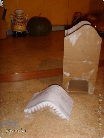Ну вот и у меня есть домик для чайных пакетиков, только рыжая не понимает что ЭТО. фото 9