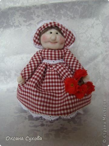 На одном из сайтов (не могу найти на каком) увидала куколок..., взяла за основу и вот такая у меня вышла Тётушка. фото 2