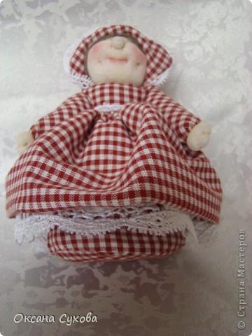 На одном из сайтов (не могу найти на каком) увидала куколок..., взяла за основу и вот такая у меня вышла Тётушка. фото 4