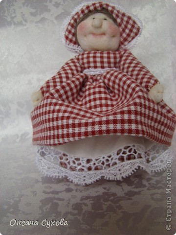 На одном из сайтов (не могу найти на каком) увидала куколок..., взяла за основу и вот такая у меня вышла Тётушка. фото 5