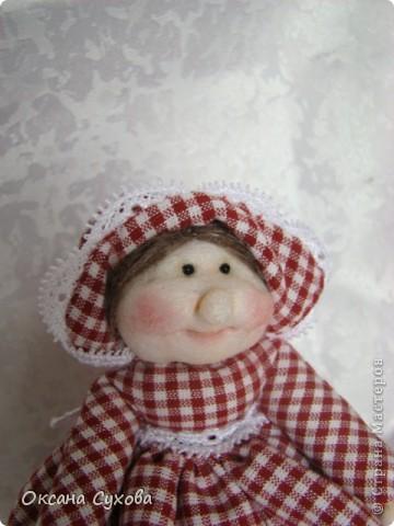 На одном из сайтов (не могу найти на каком) увидала куколок..., взяла за основу и вот такая у меня вышла Тётушка. фото 6