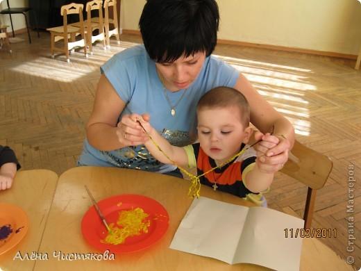 Рисование ниткой с малышами фото 3
