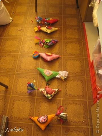 """Очень часто использую в своей работе книгу Галины Дайн """"Детский народный календарь"""". На этот раз я обратила внимание на тряпичных птичек. фото 8"""