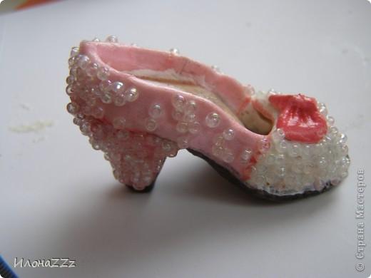 Сделать такие туфельки несложно. Длина около 6 см фото 2