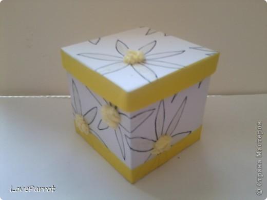 У меня было много картона и я решила сделать  вот такую весеннюю коробочку. фото 1