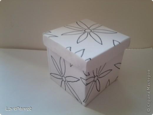 У меня было много картона и я решила сделать  вот такую весеннюю коробочку. фото 5