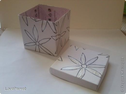 У меня было много картона и я решила сделать  вот такую весеннюю коробочку. фото 6
