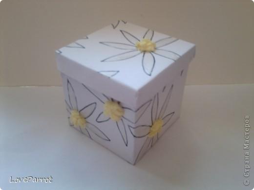 У меня было много картона и я решила сделать  вот такую весеннюю коробочку. фото 7