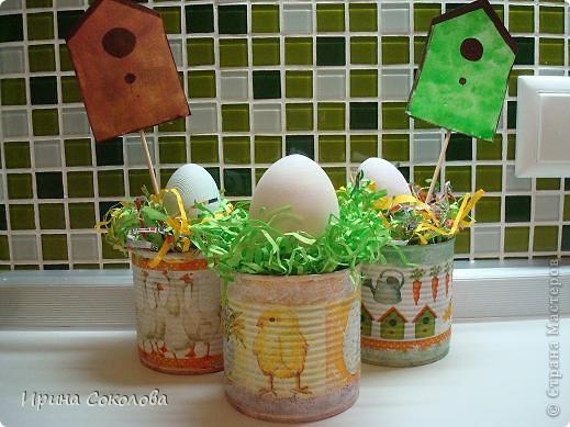 Хочу предложить вот такие псевдо-ведёрки для пасхальных яичек в а-ля деревенском стиле. Делаются они очень легко, поэтому можно и нужно подключить к процессу деток. фото 1
