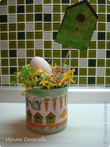 Хочу предложить вот такие псевдо-ведёрки для пасхальных яичек в а-ля деревенском стиле. Делаются они очень легко, поэтому можно и нужно подключить к процессу деток. фото 2