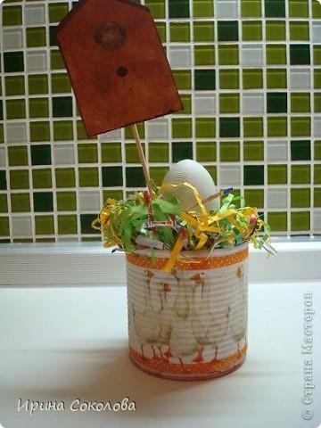 Хочу предложить вот такие псевдо-ведёрки для пасхальных яичек в а-ля деревенском стиле. Делаются они очень легко, поэтому можно и нужно подключить к процессу деток. фото 3