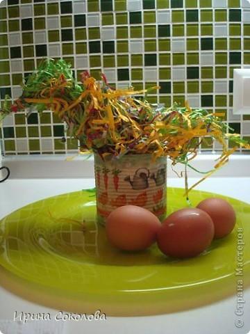Хочу предложить вот такие псевдо-ведёрки для пасхальных яичек в а-ля деревенском стиле. Делаются они очень легко, поэтому можно и нужно подключить к процессу деток. фото 19