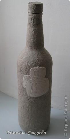 Бутылка декорирована с помощью массы для моделирования DAS и папье-маше фото 7