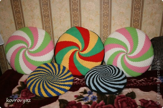 подушки вязаные