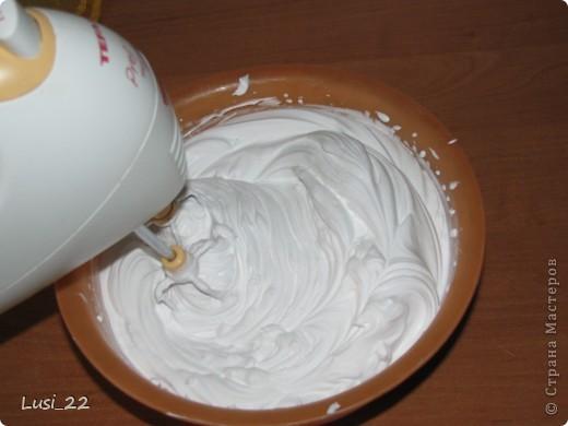 Этот торт внутри медовик. А так как на улице весна, решила оформить в таком духе. фото 46