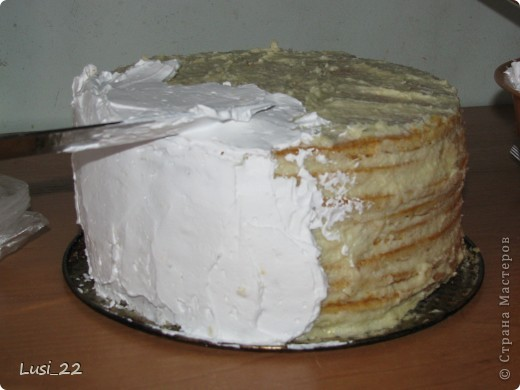 Этот торт внутри медовик. А так как на улице весна, решила оформить в таком духе. фото 48