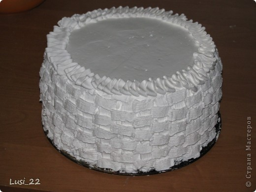 Этот торт внутри медовик. А так как на улице весна, решила оформить в таком духе. фото 52