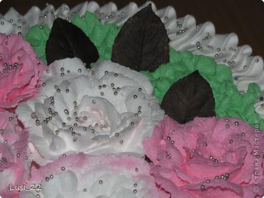 Этот торт внутри медовик. А так как на улице весна, решила оформить в таком духе. фото 54