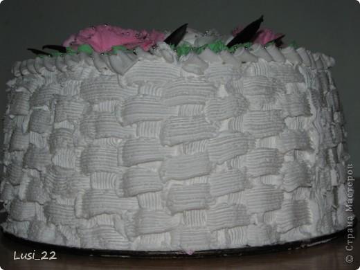Этот торт внутри медовик. А так как на улице весна, решила оформить в таком духе. фото 61