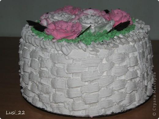 Этот торт внутри медовик. А так как на улице весна, решила оформить в таком духе. фото 4