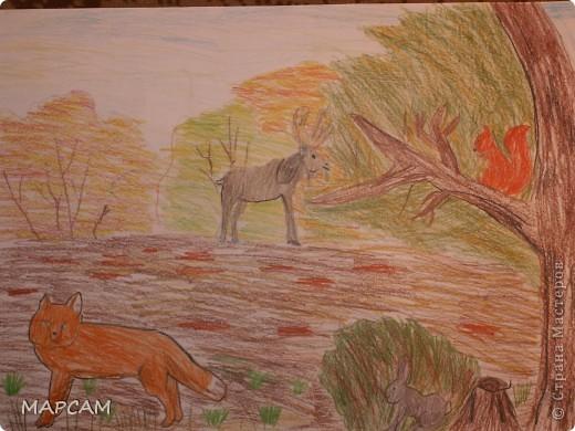 """Снова, здравствуйте. Сегодня решила выложить рисунки моей дочки Анечки (9 лет) в своем блоге. До этого не доходили руки сфотографировать. Здесь не все работы моего ребенка, некоторые мы подарили крестным, некоторые работы на выставке.  Итак, первая работа """"Рыбки"""" (техника рисования акварелью по восковым мелкам). фото 4"""