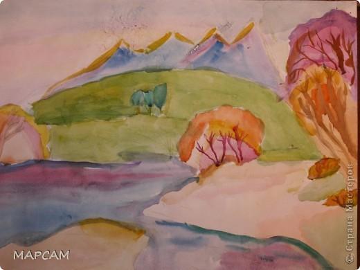 """Снова, здравствуйте. Сегодня решила выложить рисунки моей дочки Анечки (9 лет) в своем блоге. До этого не доходили руки сфотографировать. Здесь не все работы моего ребенка, некоторые мы подарили крестным, некоторые работы на выставке.  Итак, первая работа """"Рыбки"""" (техника рисования акварелью по восковым мелкам). фото 6"""