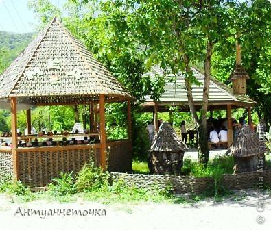 """Абхазия - страна души (""""Апсны""""). Эта страна с прекрасным климатом и пейзажем, интересными достопримечательностями. Абхазия поражает своей буйной и разнообразной растительностью. 2-3 ее территории занимают горы. фото 48"""