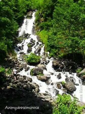 """Абхазия - страна души (""""Апсны""""). Эта страна с прекрасным климатом и пейзажем, интересными достопримечательностями. Абхазия поражает своей буйной и разнообразной растительностью. 2-3 ее территории занимают горы. фото 46"""