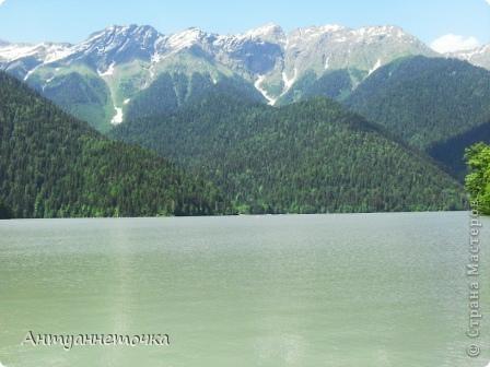 """Абхазия - страна души (""""Апсны""""). Эта страна с прекрасным климатом и пейзажем, интересными достопримечательностями. Абхазия поражает своей буйной и разнообразной растительностью. 2-3 ее территории занимают горы. фото 60"""