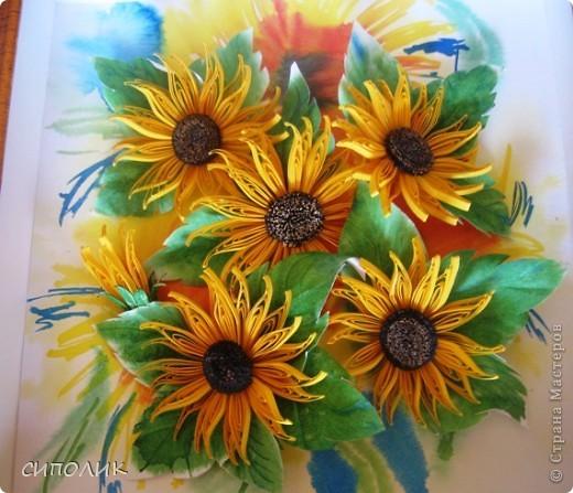 Выношу на ваш суд свою новую работу.  Цветы  задумывались как подсолнушки, а получились скорее рудбекии.   фото 2
