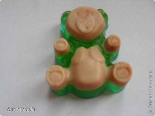 Моё первое мылко из мыльной основы. С начала мы пробовали делать из детского , но получалась ерунда какая-то. фото 11