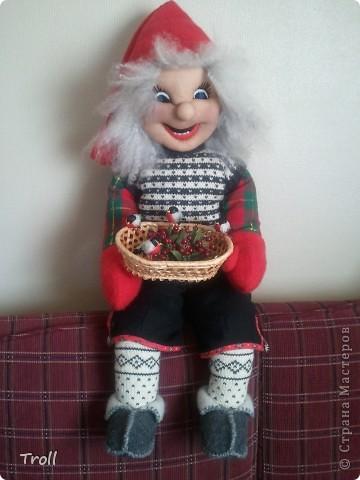 Дружная семеика норвежских рождественнских персонажей(Julenisser) фото 3