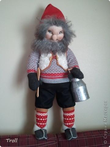 Дружная семеика норвежских рождественнских персонажей(Julenisser) фото 5